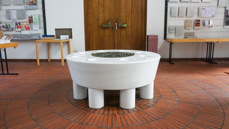 Taufbecken in der Heilig-Geist-Kirche in Essen-Karnap