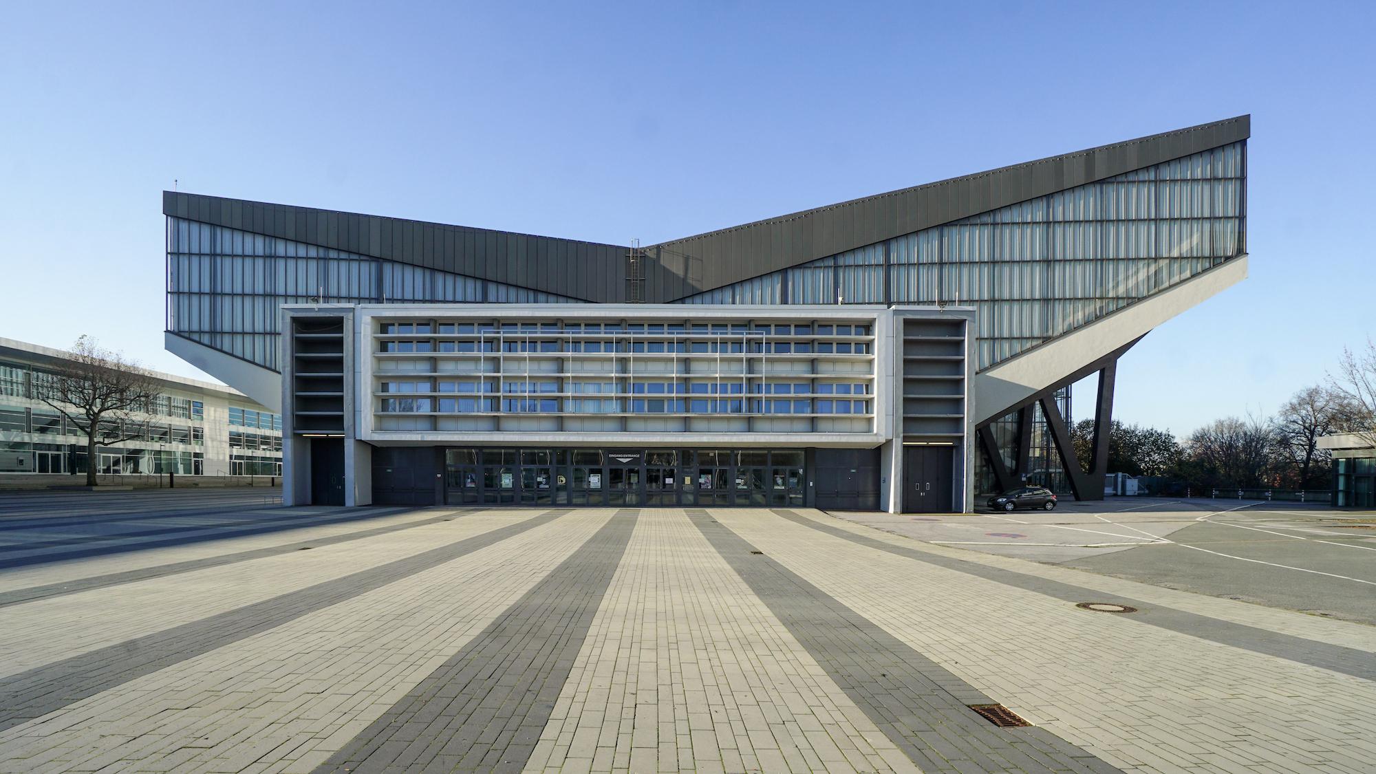 frontale Ansicht der Grugahalle in Essen-Rüttenscheid