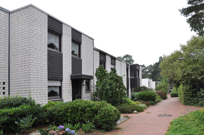 Wohnhaus mit Raffgardinen in Wulfen
