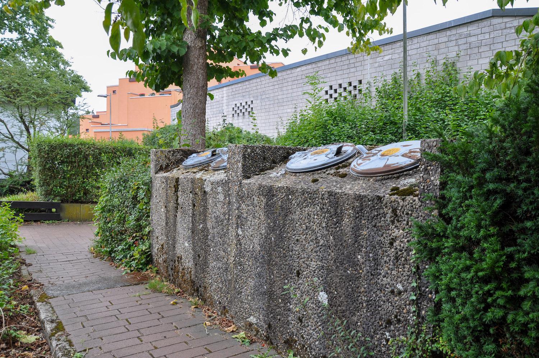 altmodische Mülleimerboxen in Wulfen