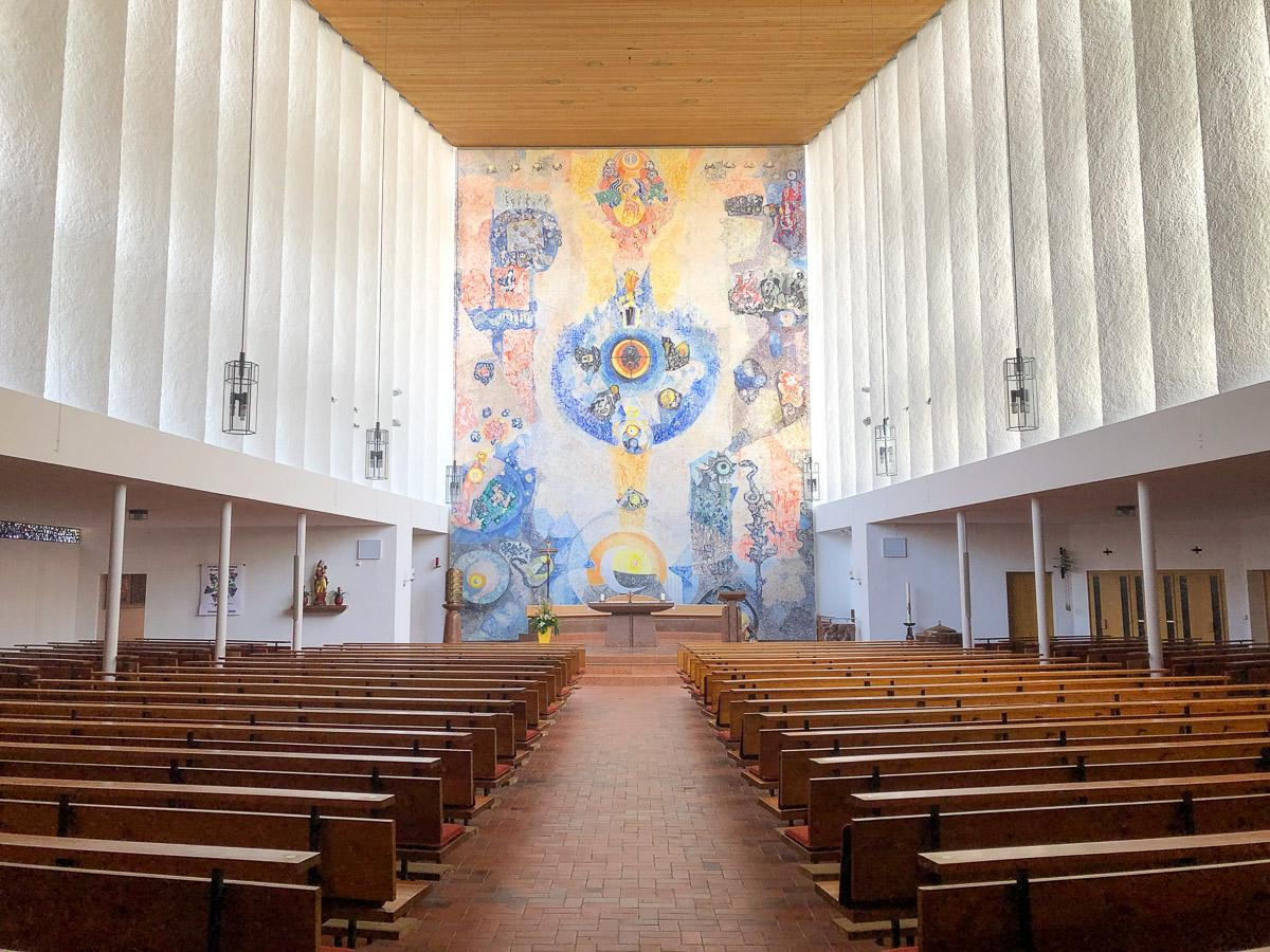 Innenraum der St. Georgskirche in St. Georgen