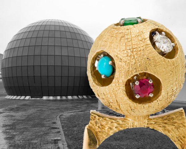 Ring im Space-Age-Stil und Planetarium Wolfsburg